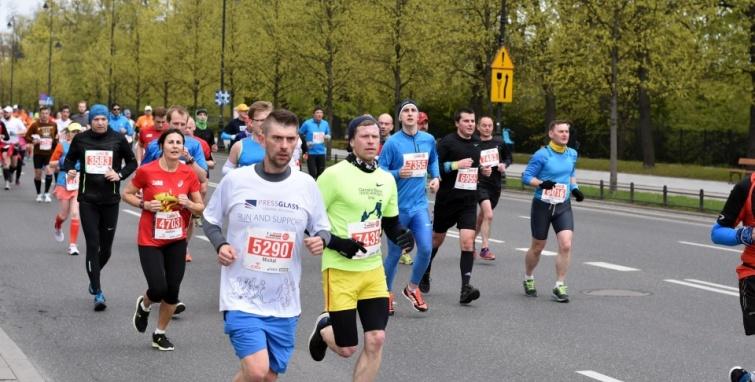 5. ORLEN Warsaw Maraton z udziałem kleczewskich biegaczy
