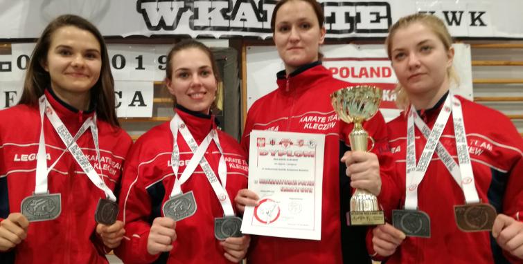 Medale, medale, medale dla karateków Sokoła Kleczew