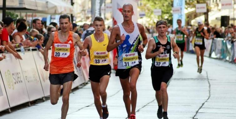 Lipcowe i sierpniowe sukcesy biegaczy